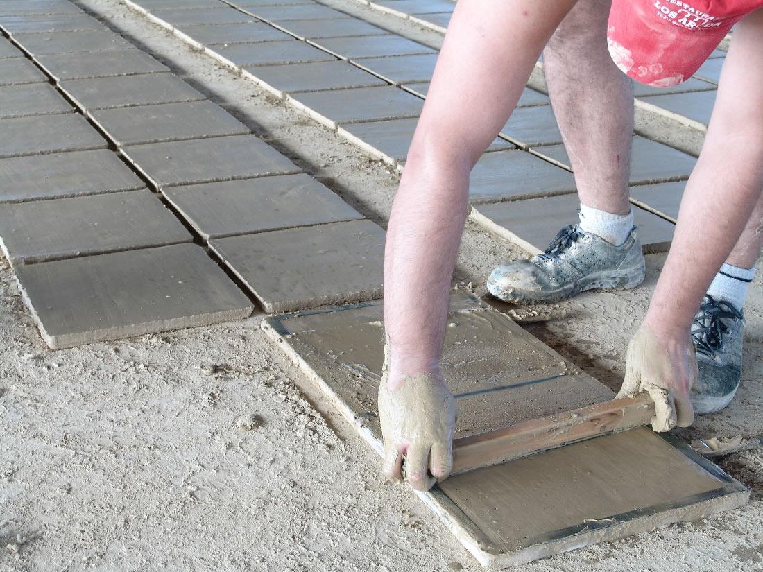 Ladrillos artesanalaes ladrillos manuales suelos de barro - Suelos de barro ...