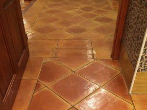 suelos-de-barro-cocido-suelos-hechos-a-mano-pavimentos-de-terracota (1)