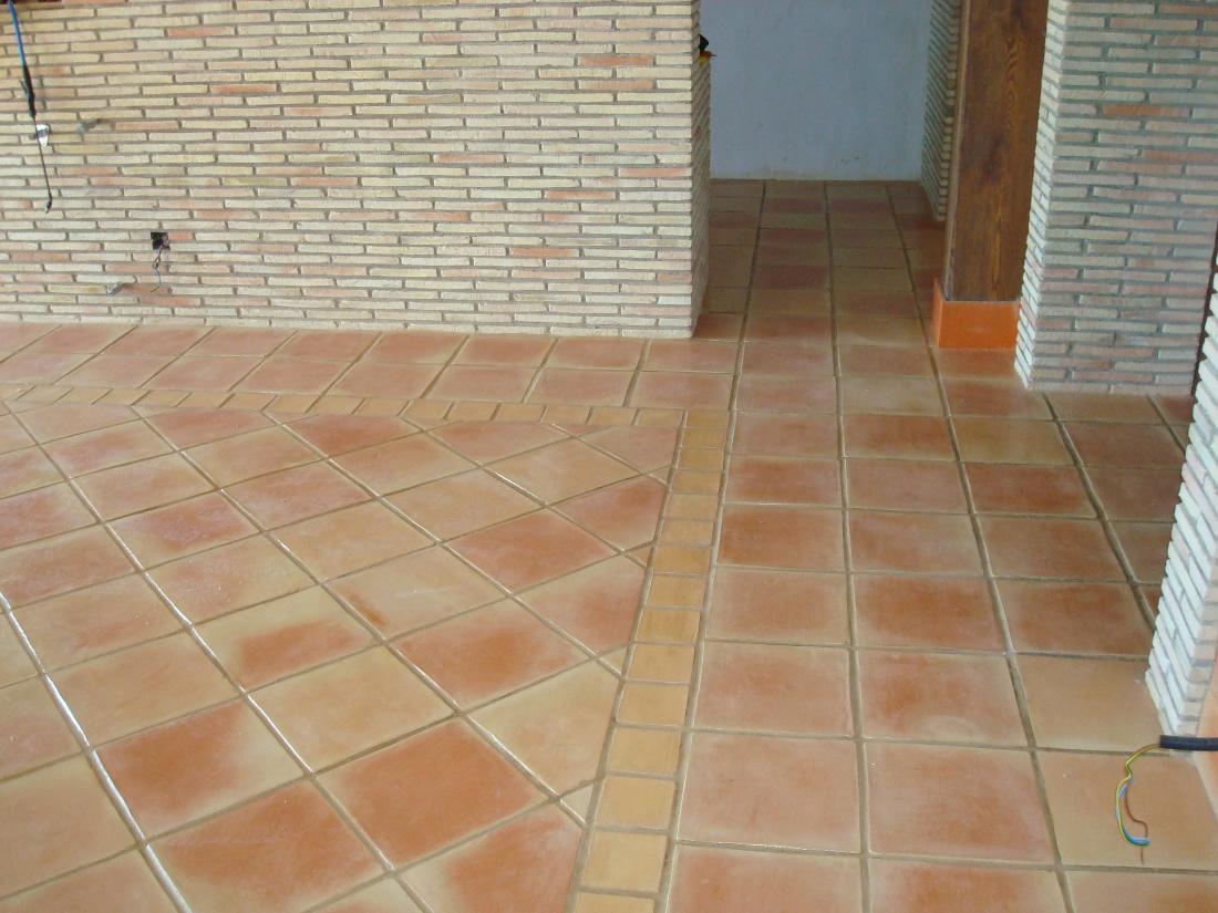 Suelos de barro cocido suelos hechos a mano pavimentos de - Baldosas de terracota ...