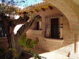 fachadas-de-ladrillo-artesanal-suelos-de-barro-cocido-suelos-terracota-ladrillo-de-valentin-baldosas-de-barro-cocido