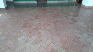 suelos-y-baldosas-de-barro-cocido-baldosas-de-terracota-suelos-de-terracota-suelos-artesanales-ladrillo-artesanal